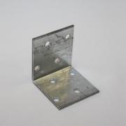 Уголок крепежный 40*40*40*1,5 мм 012101
